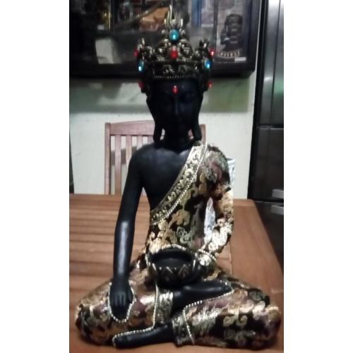 Ruhás Buddha mécsestartó - 33 cm
